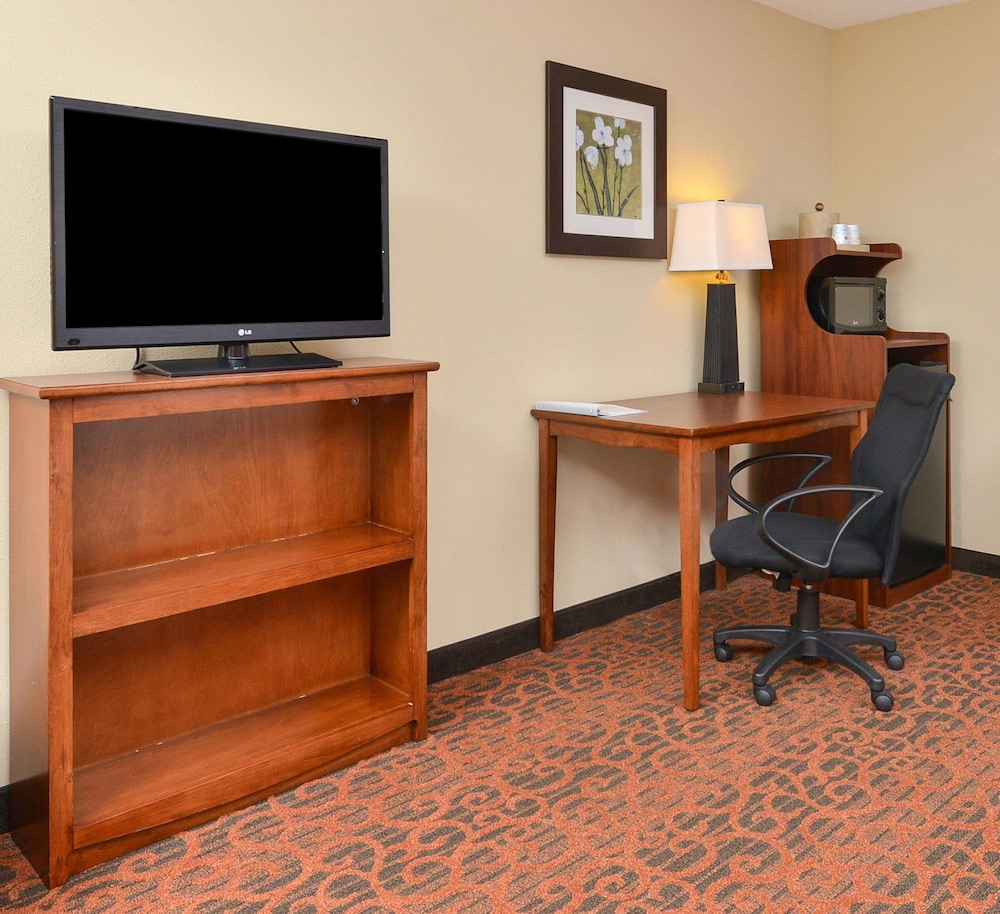 Living Area, Hampton Inn Muscatine