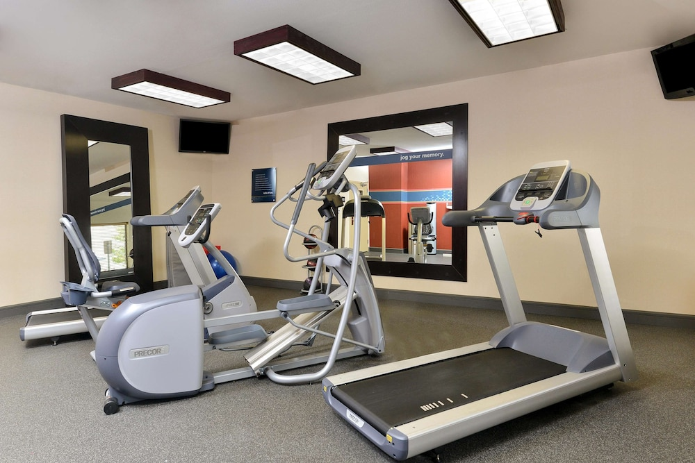 Fitness Facility, Hampton Inn Muscatine