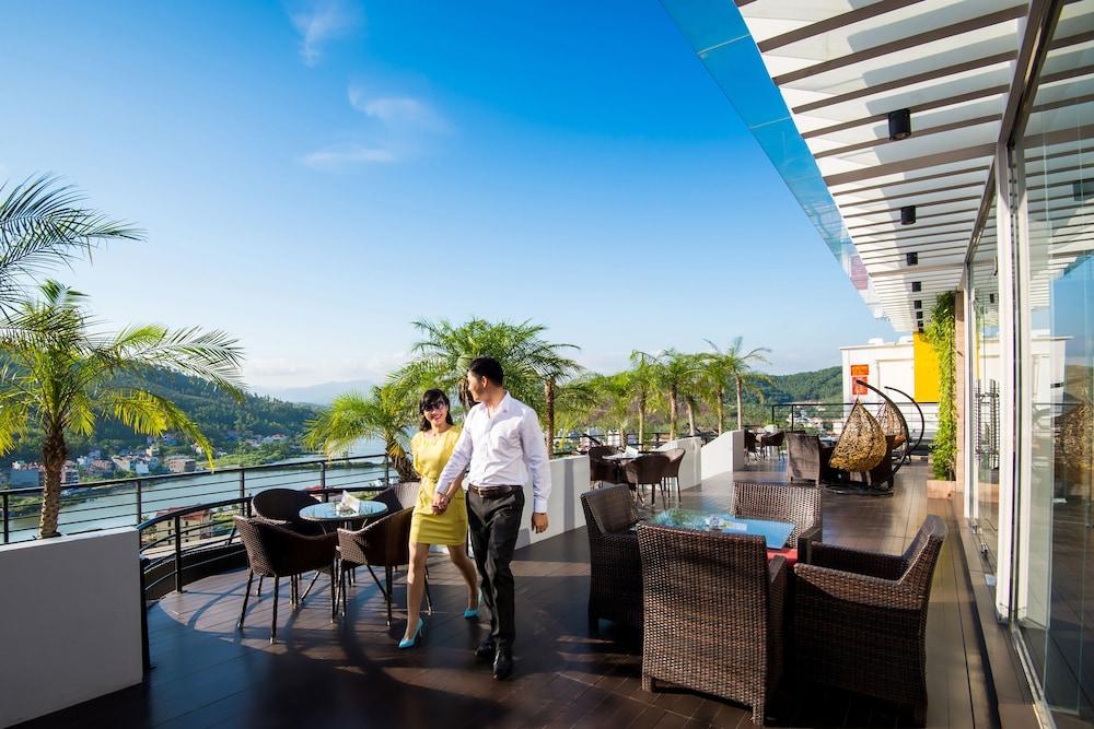 Royal lotus hotel halong halong vnm for Royal terrace quarry bay