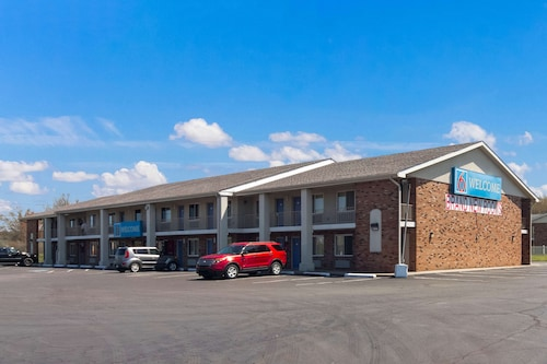 Motel 6 Youngstown- OH