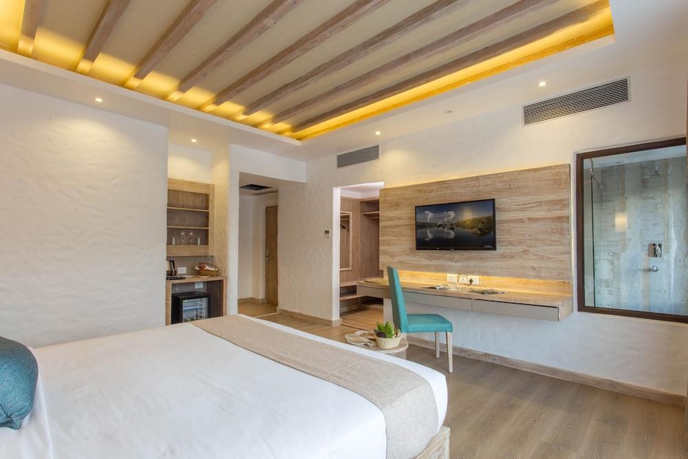 Hotel Barahi in Pokhara | Hotel Rates & Reviews on Orbitz