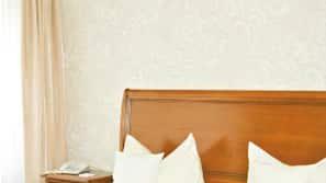 Zimmersafe, kostenlose Babybetten, kostenpflichtige Zustellbetten
