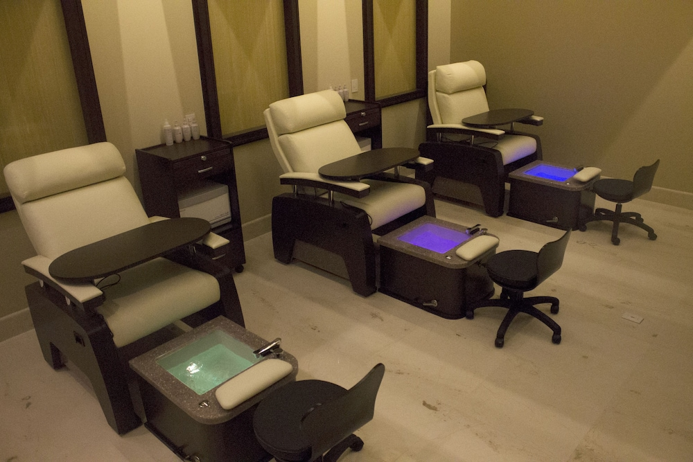 Treatment Room, Grand Solmar Lands End Resort And Spa – All Inclusive Optional