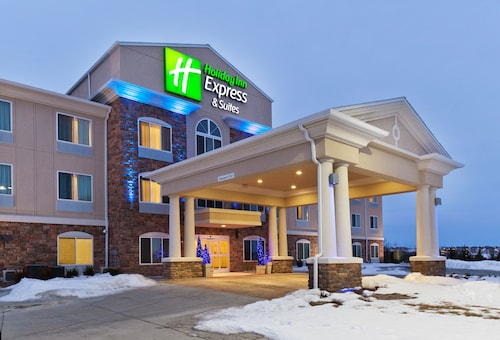 Great Place to stay Holiday Inn Express & Suites Omaha I-80 near Gretna