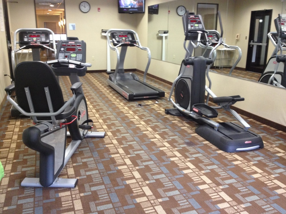 Fitness Facility, Holiday Inn Express & Suites Bridgeport, an IHG Hotel