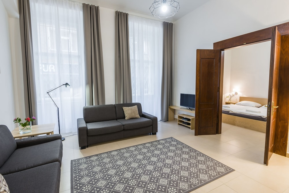 Family Apartment, 3 Bedrooms, Kitchen, Ground Floor (St.Reznicka No.14,250m from residence) - Featured Image