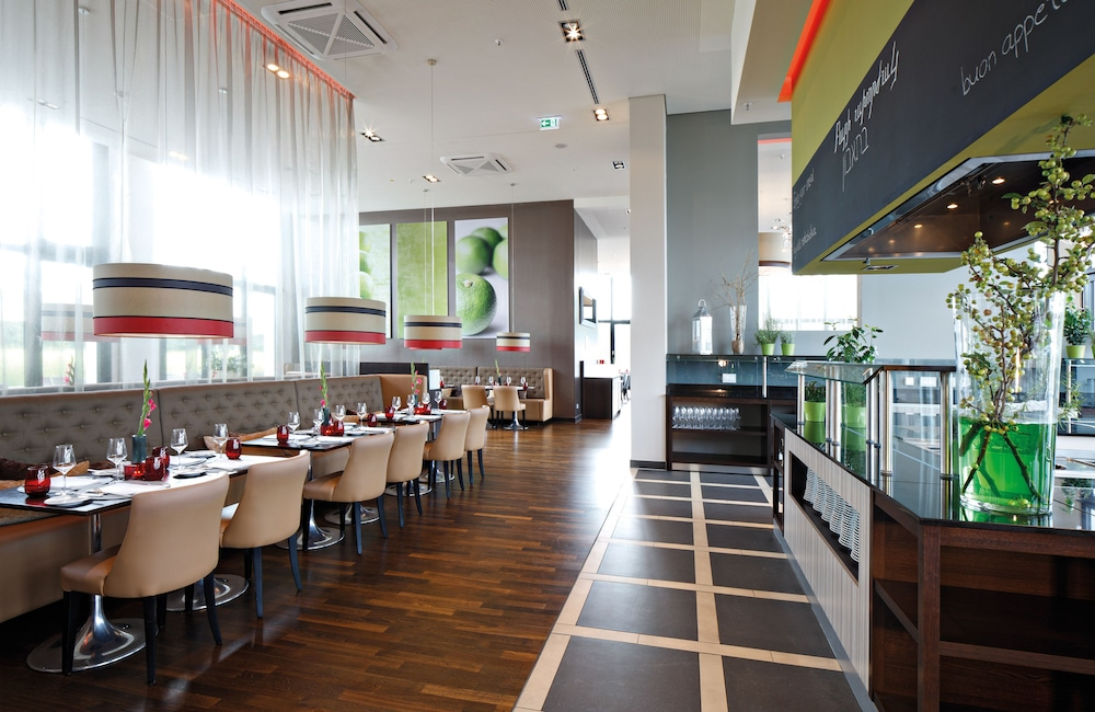 Restaurant, Leonardo Royal Hotel Munich