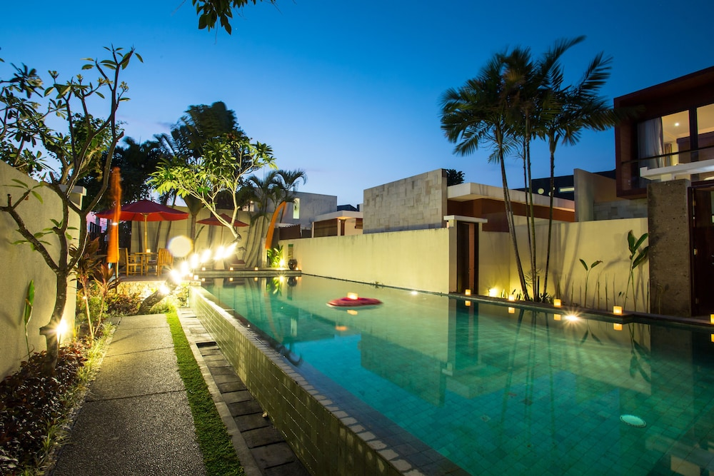 Outdoor Pool, Jay's Villas