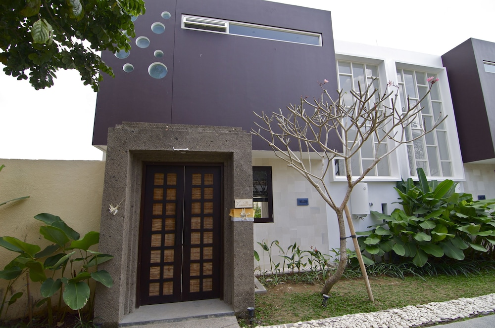 Property Entrance, Jay's Villas
