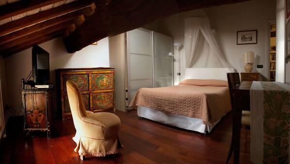 Biancheria da letto di alta qualità, minibar, una scrivania