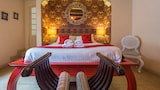 Chapel 5 Suites - Naxxar Hotels