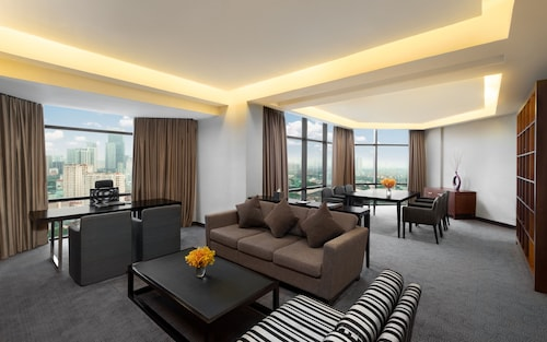 Crowne Plaza West Hanoi