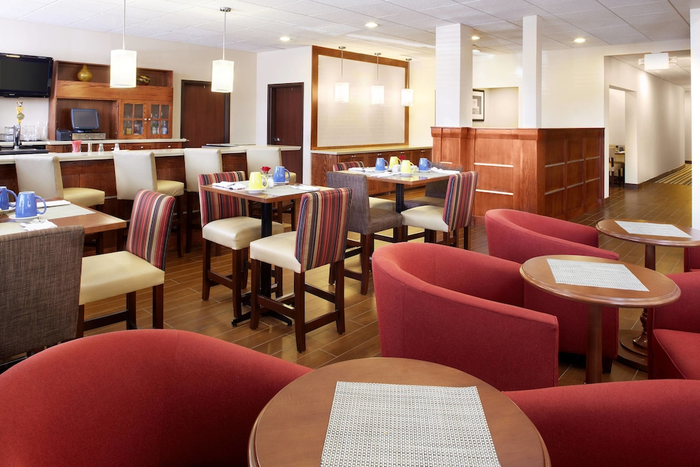 Breakfast Area, Four Points by Sheraton Houston Hobby Airport