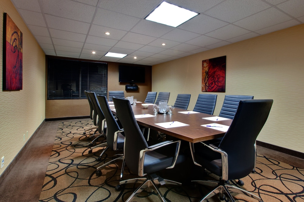 Meeting Facility, Holiday Inn Express & Suites Chatham South, an IHG Hotel
