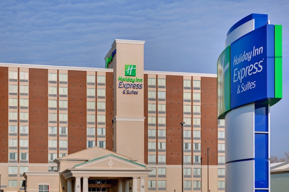 Exterior, Holiday Inn Express & Suites Chatham South, an IHG Hotel