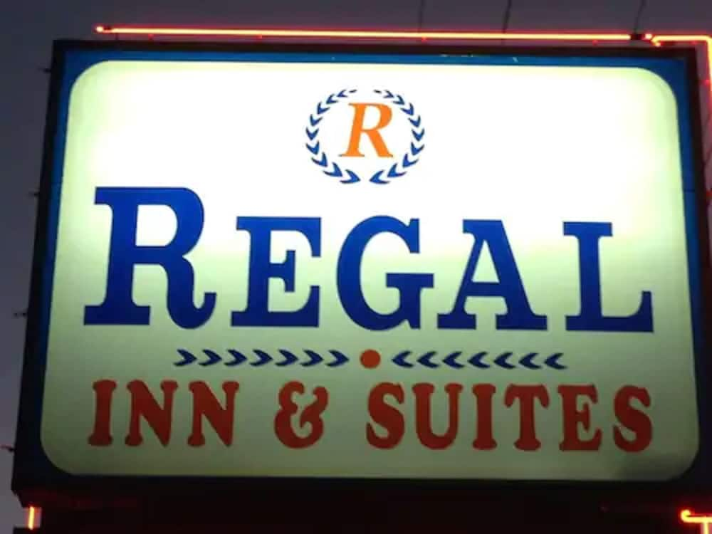 Front of Property - Evening/Night, Regal Inn & Suites