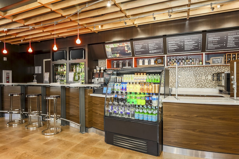 Bar, Courtyard by Marriott Amarillo Downtown