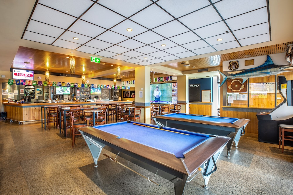 Billiards, Quality Hotel Sands