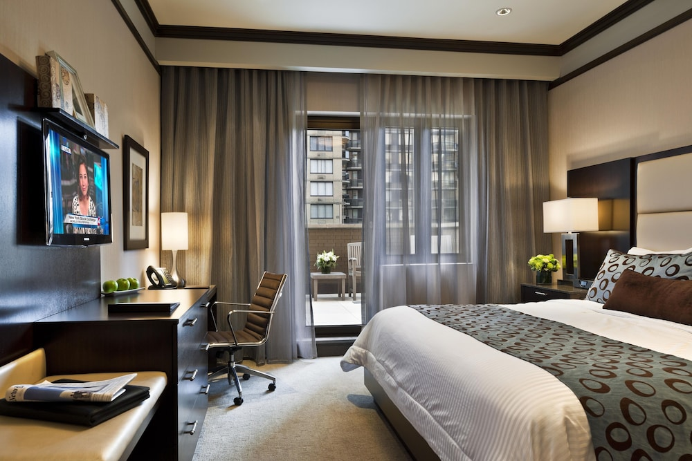 Room, The Pearl New York