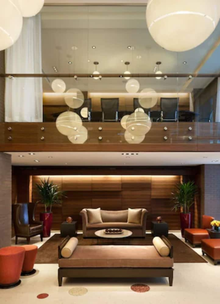 Lobby, The Pearl New York
