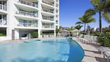 Crystal Bay on the Broadwater - Labrador Hotels