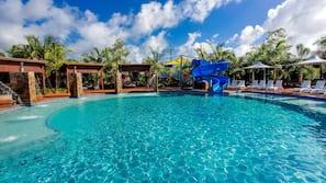 室外游泳池,免费小屋,日光浴躺椅