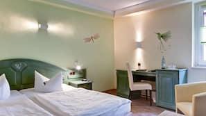 Zimmersafe, Bügeleisen/Bügelbrett, Bettwäsche