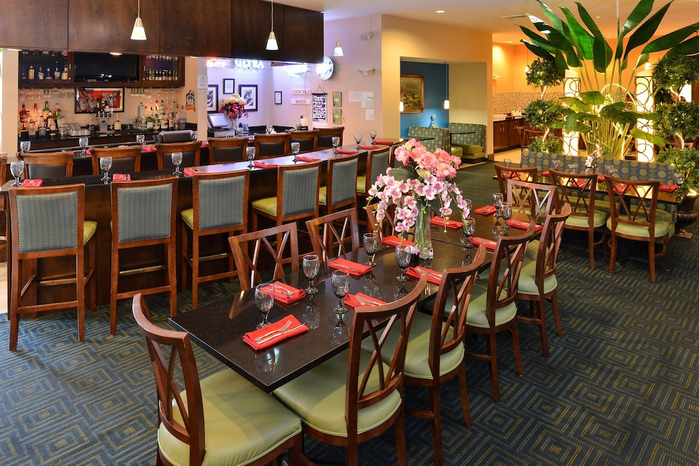 Restaurant, Holiday Inn Montgomery Airport South, an IHG Hotel