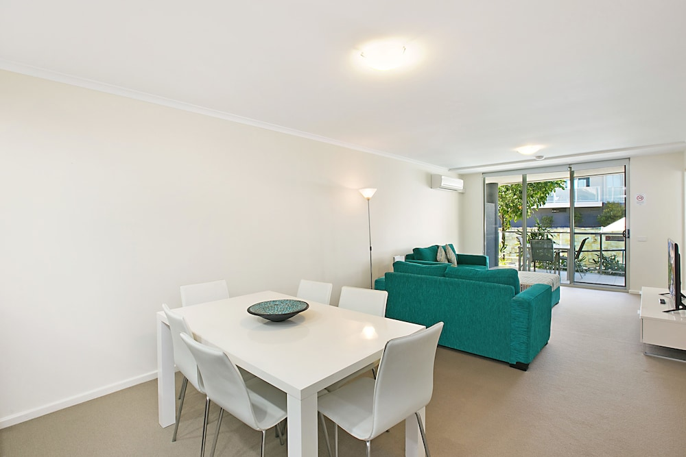 In-Room Dining, Mantra Nelson Bay