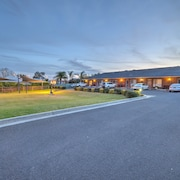 Cadman Motor Inn & Apartments