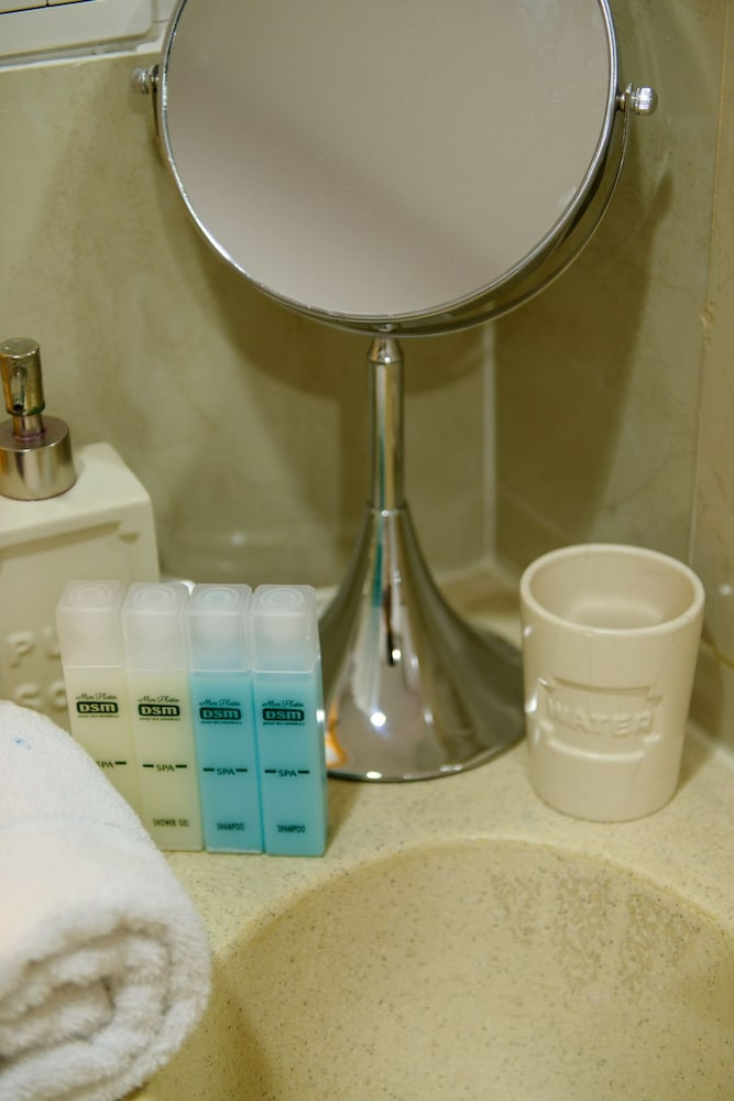 Bathroom Amenities, Royalty Suites