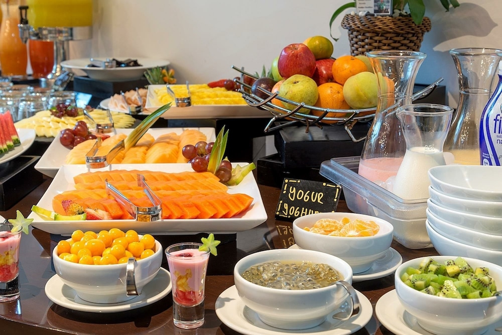 Breakfast buffet, Hotel GHL Collection 93