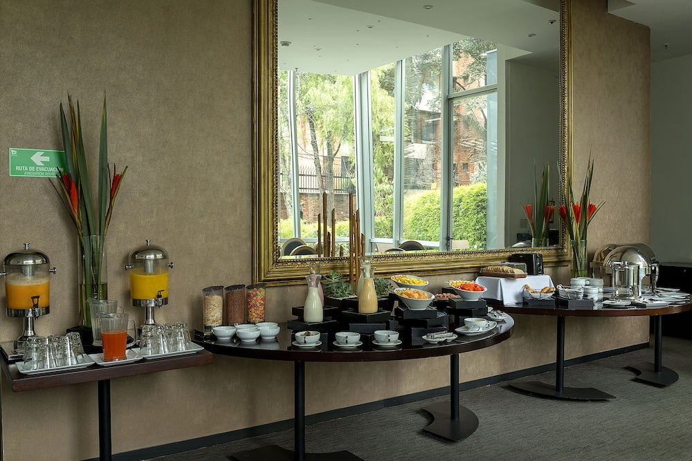 Buffet, Hotel GHL Collection 93