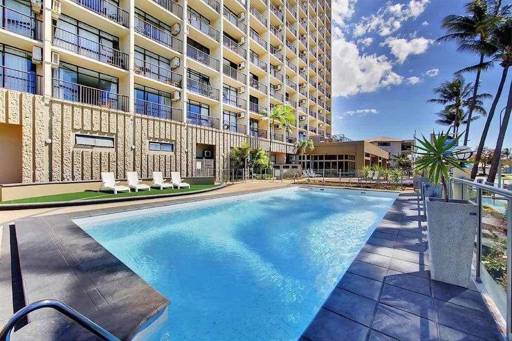 Aquarius date in Brisbane