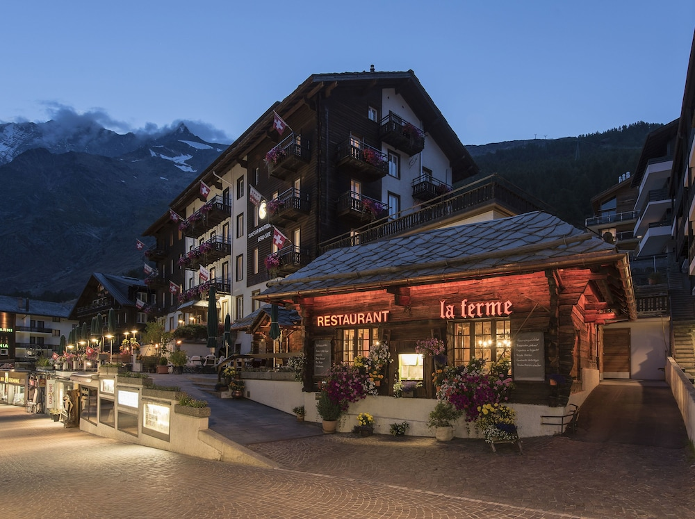 Front of Property - Evening/Night, Sunstar Hotel Saas-Fee
