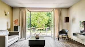 Donzen dekbedden, een kluis op de kamer, een bureau, gratis wifi