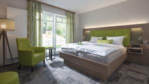 Hochwertige Bettwaren, Schreibtisch, kostenloses WLAN