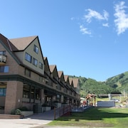 The Loft at Mountain Village by All Seasons Resort Lodging