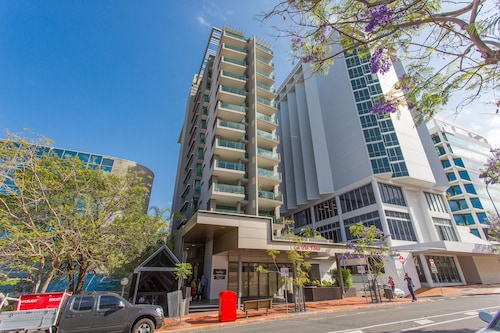 Quattro on Astor Apartments Brisbane by Restt