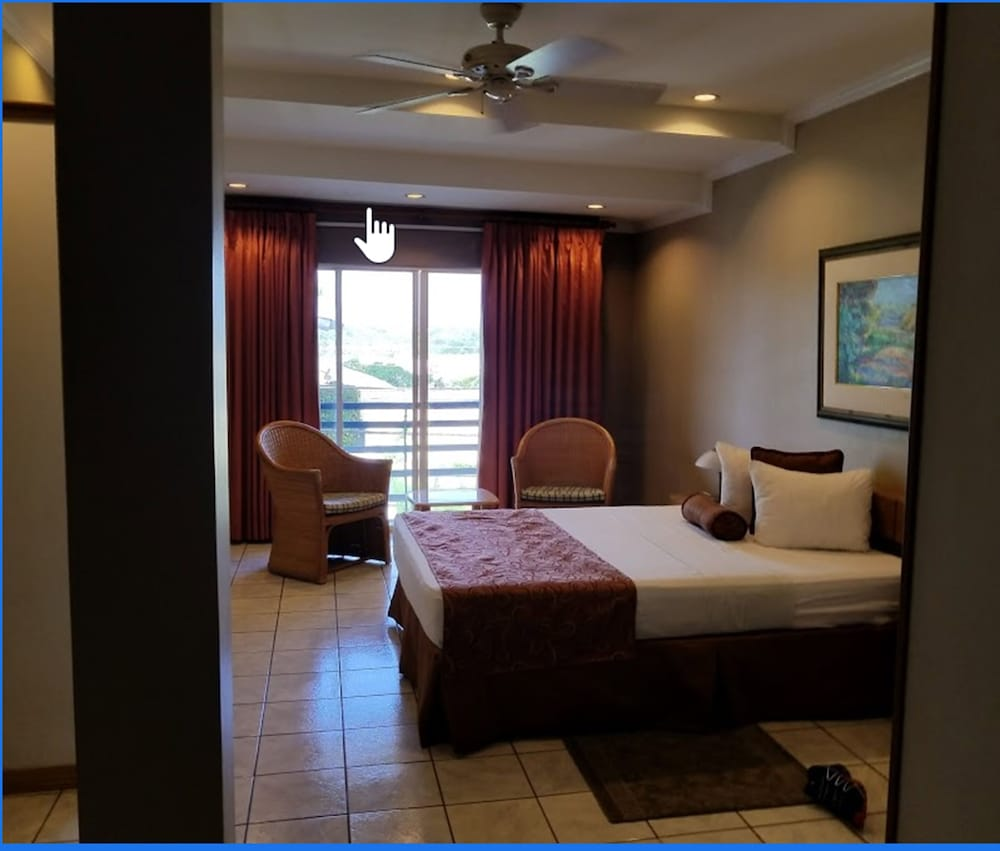 Room, Tradewinds Hotel