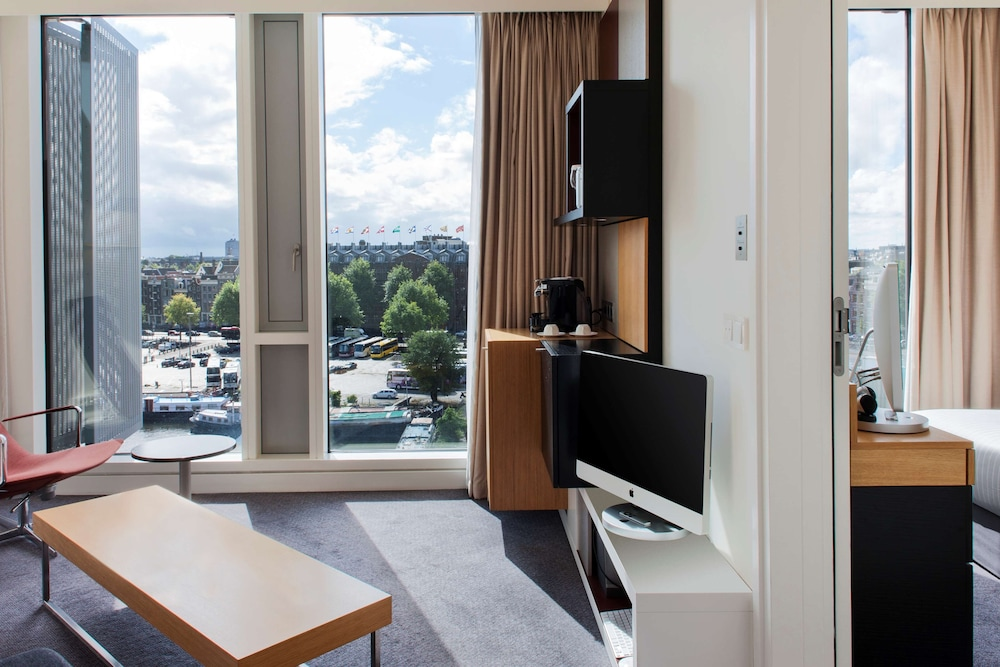 Room Amenity, DoubleTree by Hilton Hotel Amsterdam Centraal Station