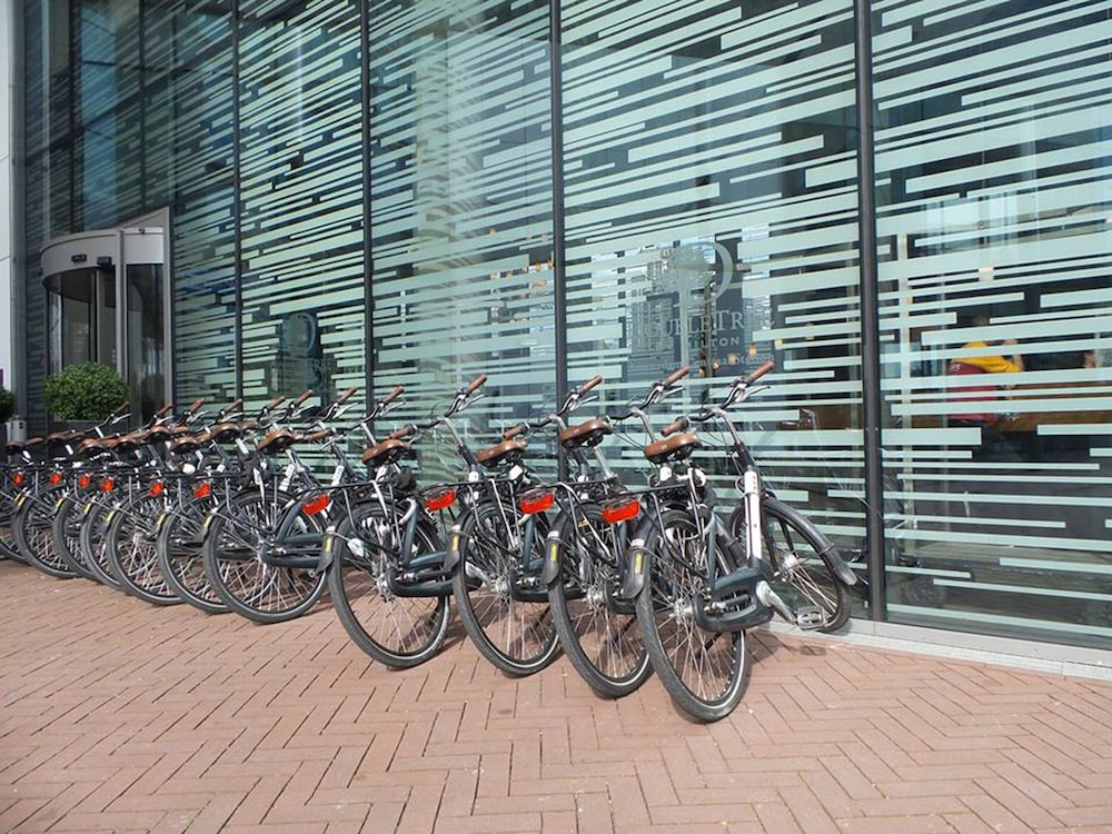 Bicycling, DoubleTree by Hilton Hotel Amsterdam Centraal Station
