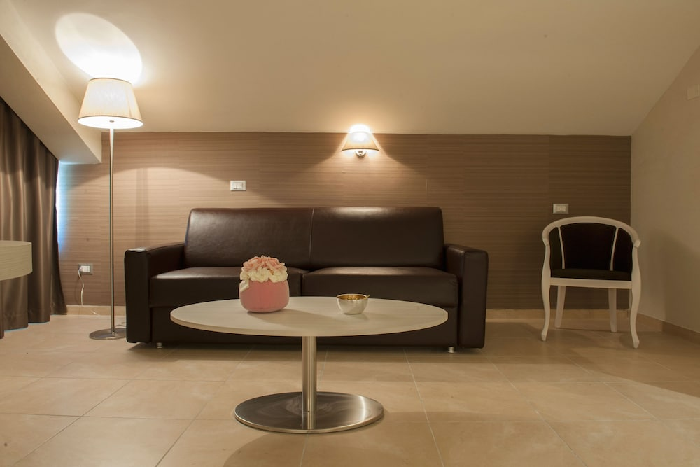 Living Area, Hotel Fini