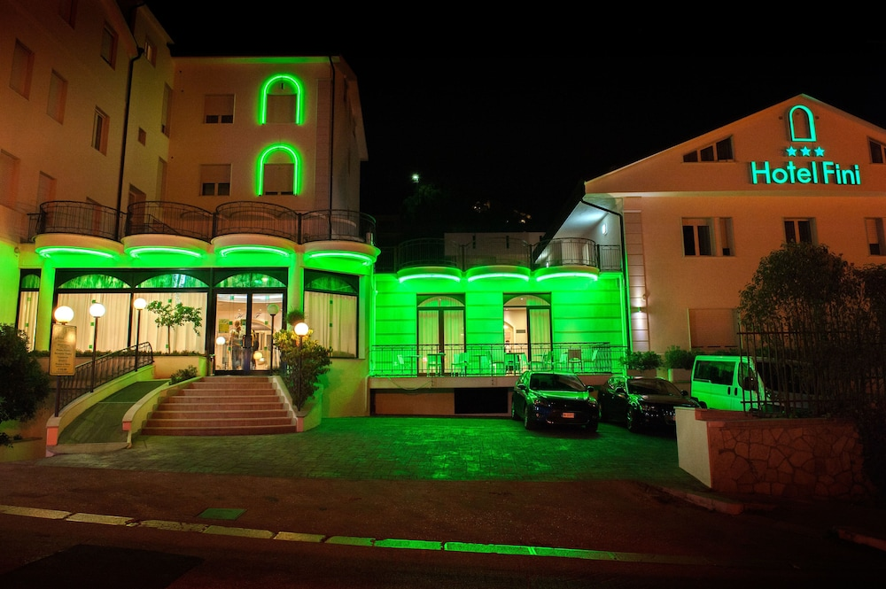 Front of Property - Evening/Night, Hotel Fini