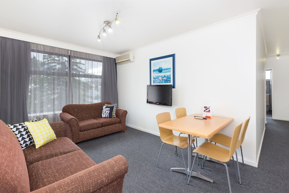 Two Bedroom Apartment - Gipps Street Building - Featured Image