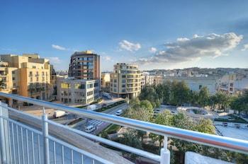 Onyx Suites & Apartments