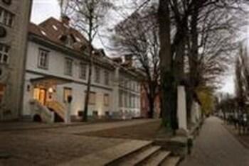 Gosposka ulica 10, 1000 Ljubljana, Slovenia.