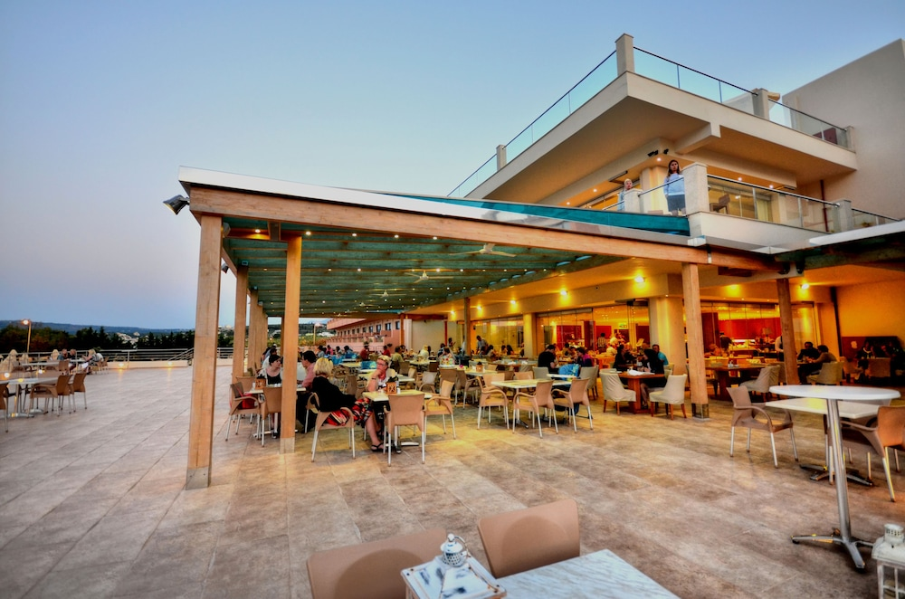 Outdoor Dining, Kiani Beach Resort Family - All Inclusive