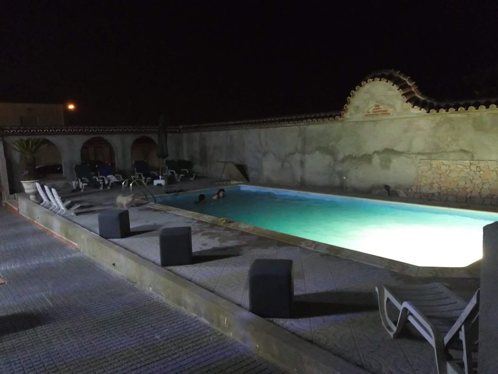 Outdoor Pool, Adega Hostel