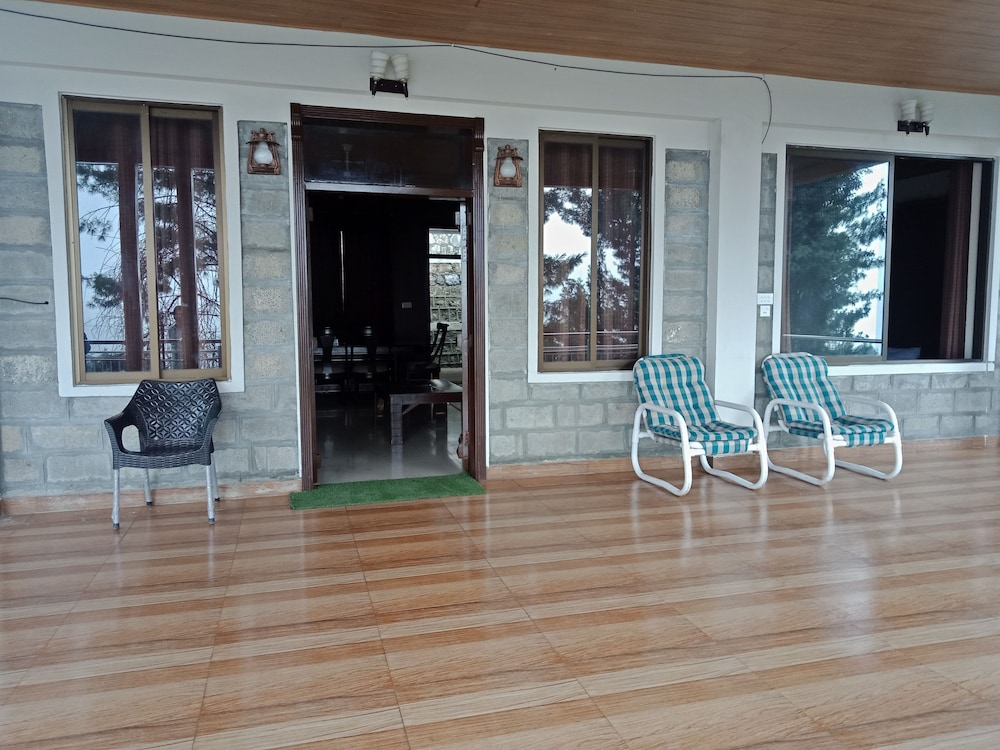 Interior Entrance, Shimla resort and rest house